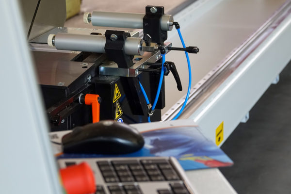 Gehrung sägen DS 140 - Spanneinheit und Rechner