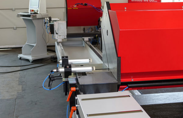 Miter sawing DS140 - length view